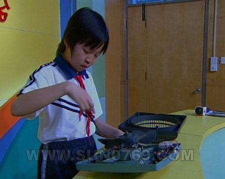 """长安:11岁小学生发明""""智能温控电风扇"""""""